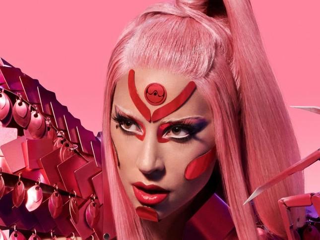 """Review album """"Chromatica"""": Sự thích ứng của team Lady Gaga trong thời đại streaming ảnh 1"""