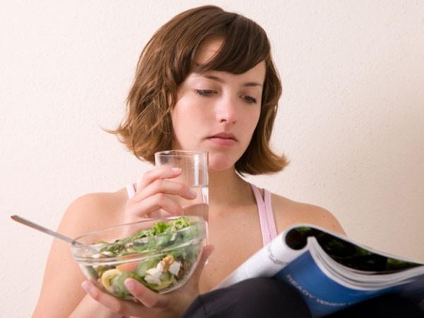 """Đơn giản như uống nước nhưng chúng ta vẫn thường uống sai cách, khiến cơ thể """"náo loạn"""" ảnh 2"""