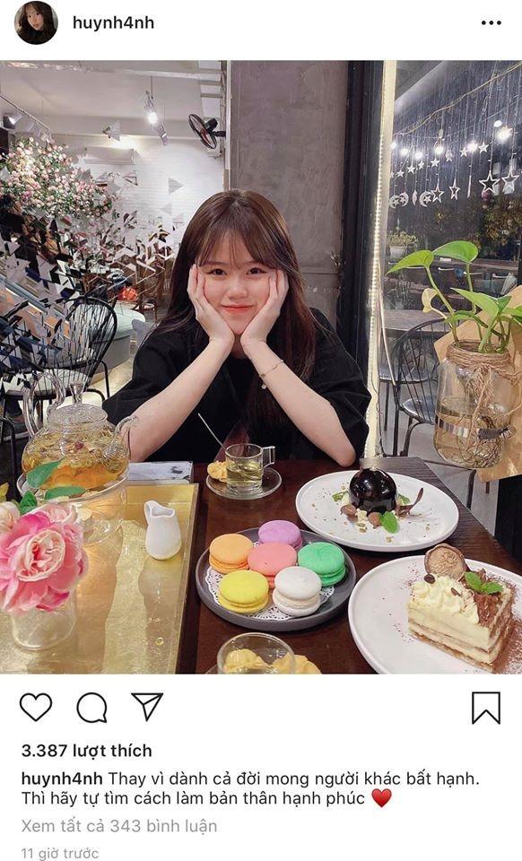 """Nhật Lê đăng status mới, dân mạng cho rằng cô """"cà khịa"""" bạn gái mới của Quang Hải? ảnh 2"""