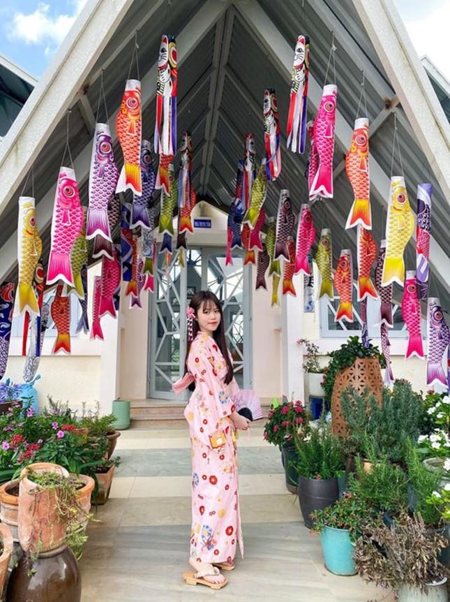 """Bạn gái mới Quang Hải gây """"choáng"""" vì gia thế giàu sang, là """"tay chơi"""" hàng hiệu kín tiếng ảnh 3"""