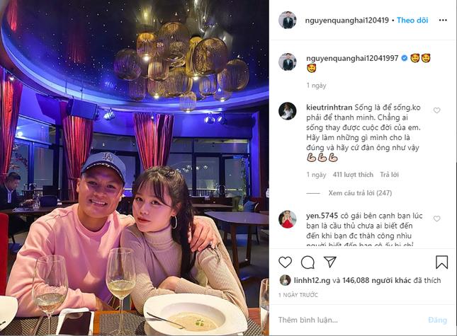 Dàn cầu thủ bóng đá Việt: Người liên tiếp vướng tin đồn hẹn hò, người hạnh phúc bên tổ ấm ảnh 1