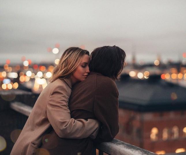 """Cặp đôi tạo trend """"Nắm tay em đi khắp thế gian"""": 10 năm gắn bó hạnh phúc bên nhau ảnh 6"""