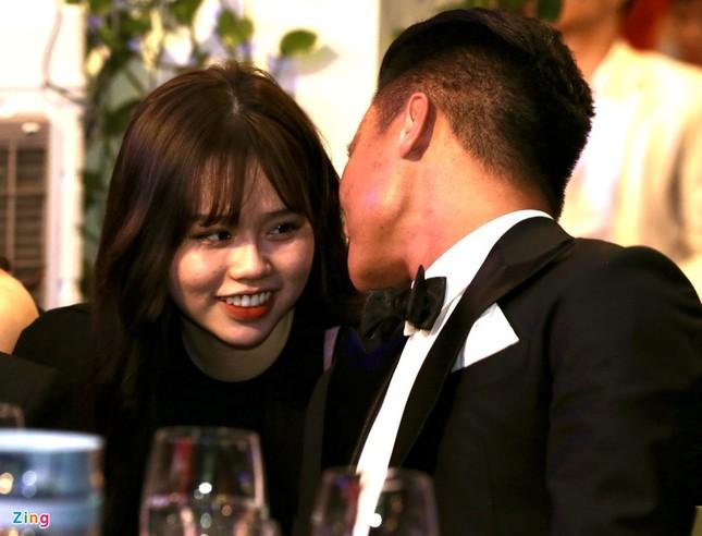 """Mới công khai hẹn hò nửa tháng, Quang Hải - Huỳnh Anh đã """"thương thương"""" nhau thế này đây! ảnh 5"""