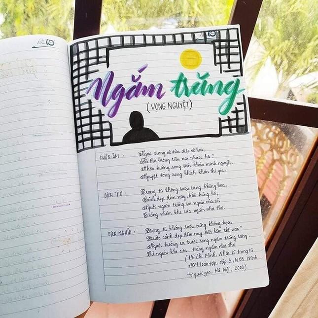 Cuốn vở Ngữ văn được trang trí đầy màu sắc, nhìn vào là muốn học bài ngay! ảnh 9