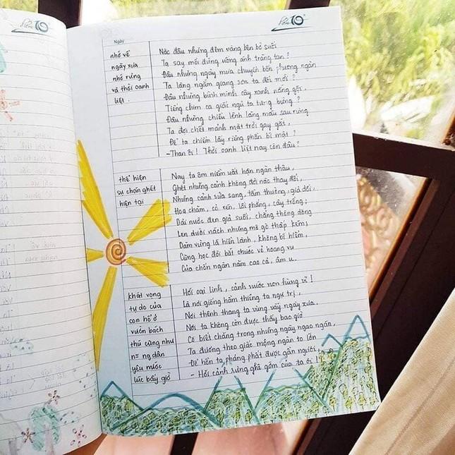 Cuốn vở Ngữ văn được trang trí đầy màu sắc, nhìn vào là muốn học bài ngay! ảnh 6