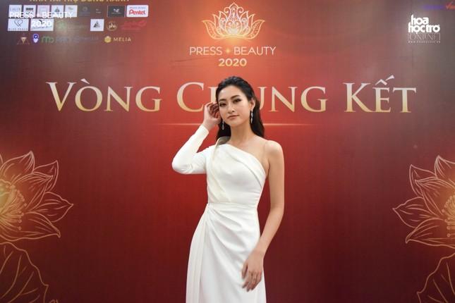 """Chung kết """"Press Beauty"""": Sinh viên lớp Xã hội học trở thành Hoa khôi Báo chí 2020 ảnh 14"""