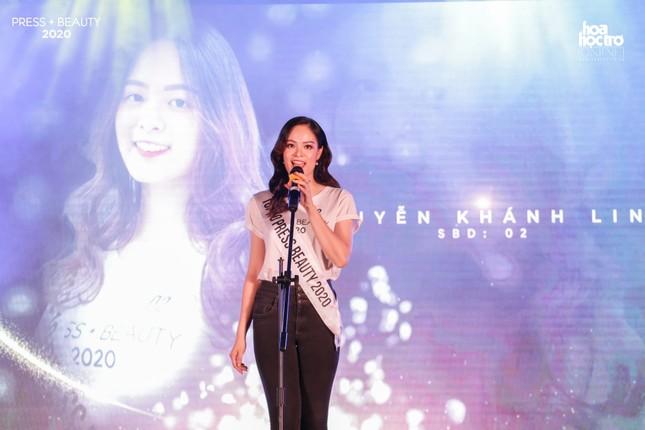 """Chung kết """"Press Beauty"""": Sinh viên lớp Xã hội học trở thành Hoa khôi Báo chí 2020 ảnh 2"""