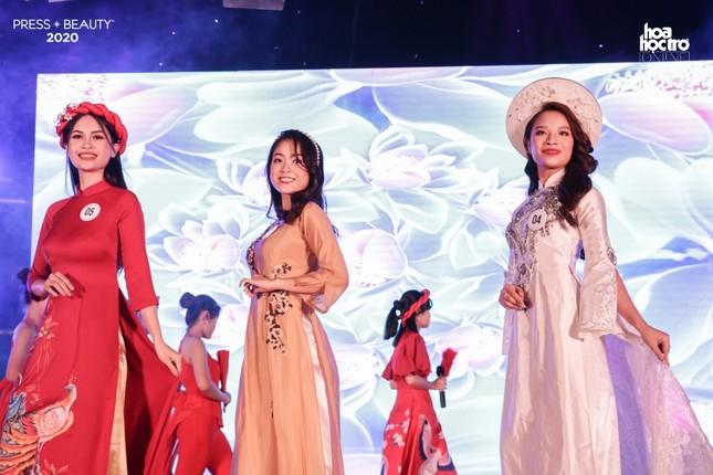 """Chung kết """"Press Beauty"""": Sinh viên lớp Xã hội học trở thành Hoa khôi Báo chí 2020 ảnh 4"""