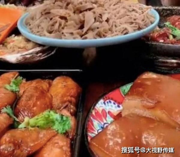 Mukbanger Trung Quốc tử vong sau nửa năm làm nghề do ăn quá nhiều đồ dầu mỡ ảnh 3