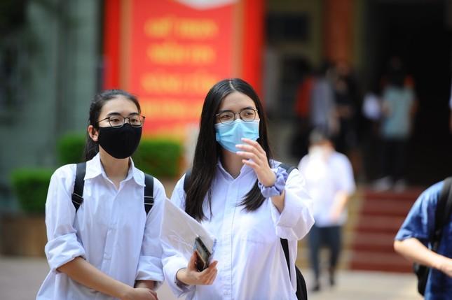 Thi tốt nghiệp THPT đợt 1: Hà Nội đã chấm thi xong cho gần 80.000 thí sinh ảnh 1