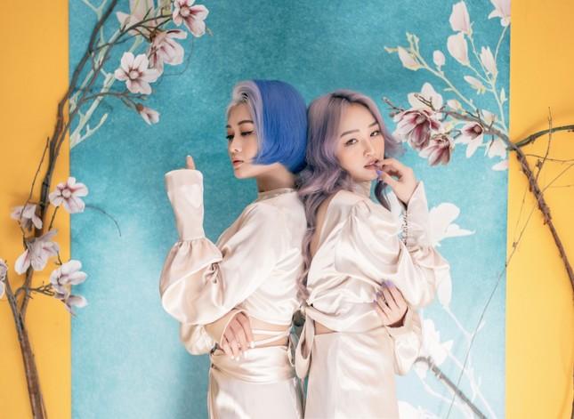 """Hai nữ streamer đình đám Hoa Nhật Huỳnh và Hảo Thỏ tung bộ ảnh """"tình bể bình"""" ảnh 4"""
