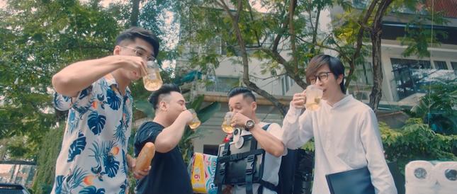 Độ Mixi phá kỉ lục công chiếu của Jack khi tung MV kể chuyện làm nghề streamer ảnh 6