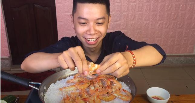 Streamer trở thành Food Reviewer: Xu hướng mới dành cho người đam mê game trót yêu ẩm thực ảnh 4