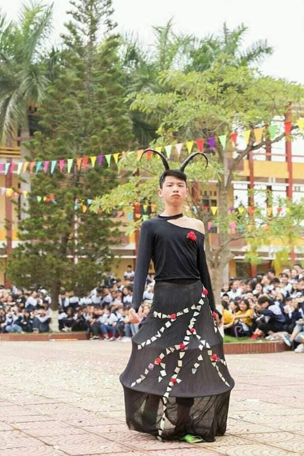"""Khi trường học trở thành """"sàn diễn thời trang"""": Teen diện trang phục siêu độc đáo ảnh 4"""