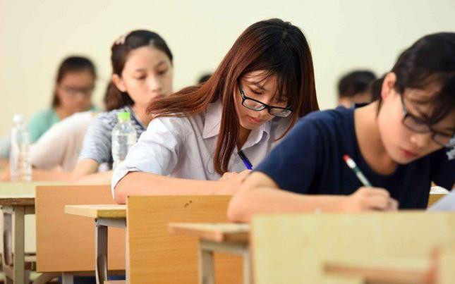 Kỳ thi tốt nghiệp THPT 2021: Bộ GD&ĐT giữ phương án thi tương tự năm 2020 ảnh 1