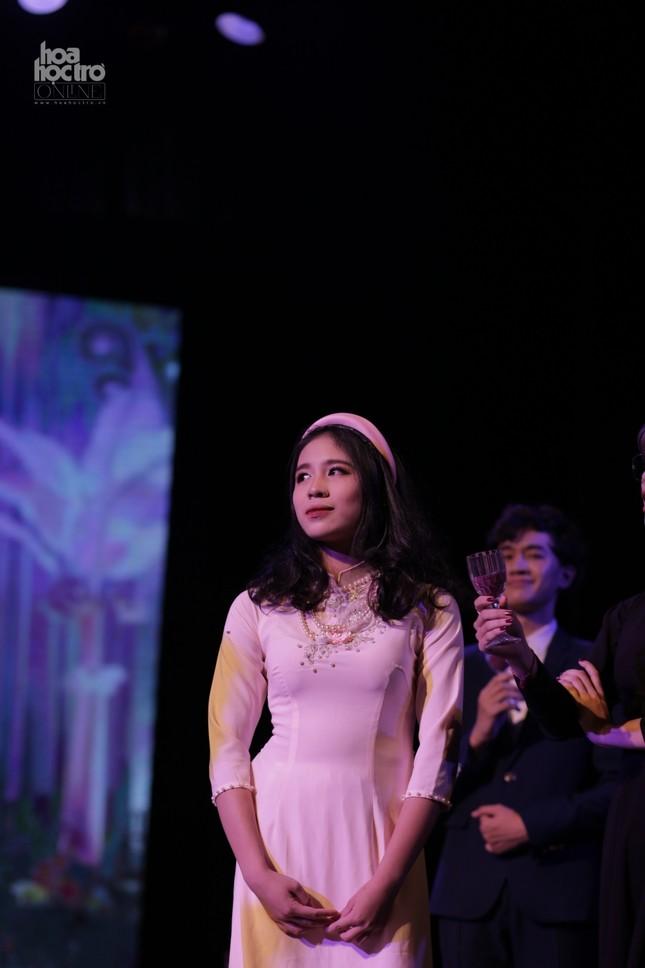 LSD On Stage 2020: Amsers làm lay động khán giả khi tái hiện lại Sài Gòn thập niên 1960 ảnh 2