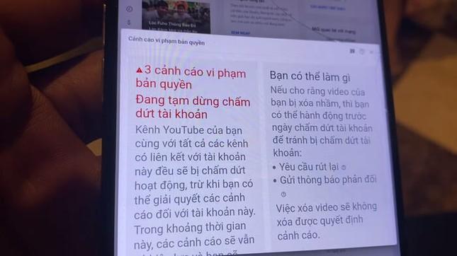 """Kênh YouTube hàng triệu lượt theo dõi của """"phụ hồ hot nhất Việt Nam"""" sắp bị xóa sổ? ảnh 4"""
