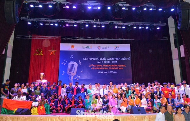 Sinh viên Đại học Hạ Long giành giải nhất Liên hoan hát Quốc ca sinh viên Quốc tế năm 2020 ảnh 4