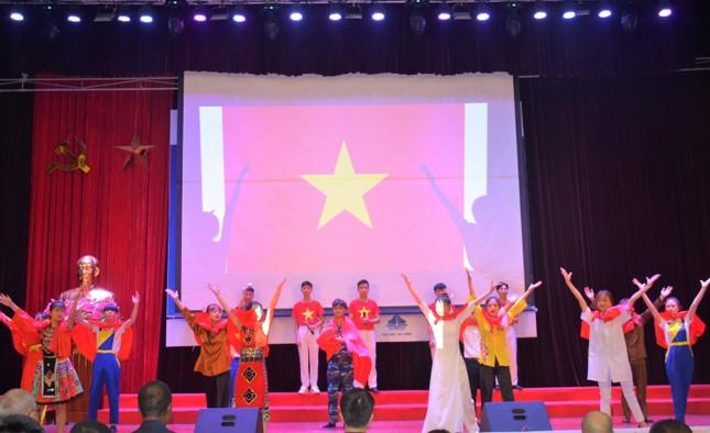 Sinh viên Đại học Hạ Long giành giải nhất Liên hoan hát Quốc ca sinh viên Quốc tế năm 2020 ảnh 3