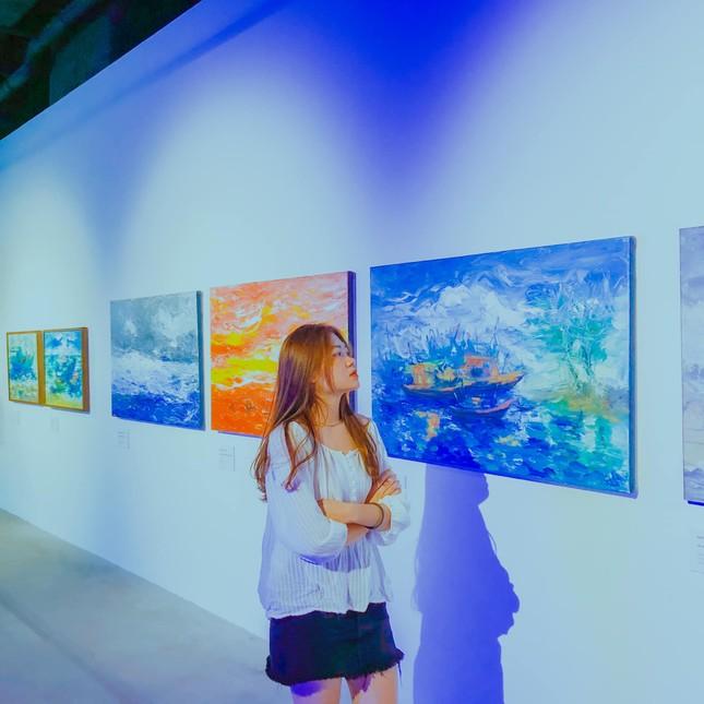 """Triển lãm """"Biển sống"""": Không gian nghệ thuật kì ảo mang vẻ đẹp của biển dành cho giới trẻ ảnh 7"""