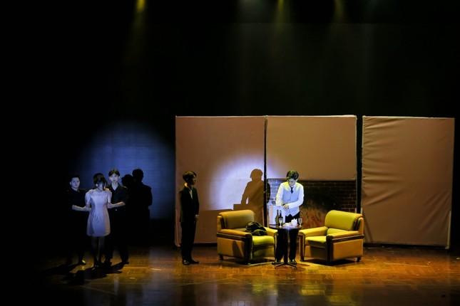 """Lạc vào giữa 2 thế giới thực ảo trong vở nhạc kịch """"Reverie the Musical"""" của các Amsers ảnh 5"""