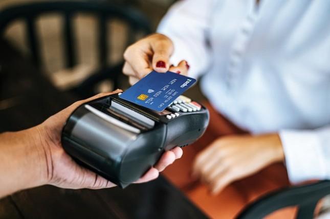 4 lý do bạn nên chuyển ngay việc dùng tiền mặt sang thanh toán bằng thẻ ảnh 2