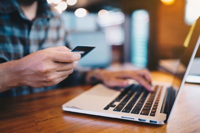 4 lý do bạn nên chuyển ngay việc dùng tiền mặt sang thanh toán bằng thẻ ảnh 1