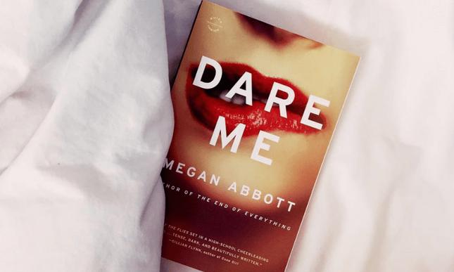 Trích đoạn cực ly kỳ từ tiểu thuyết Dare Me (Đừng thách tôi!): Thức giấc nửa đêm ảnh 2