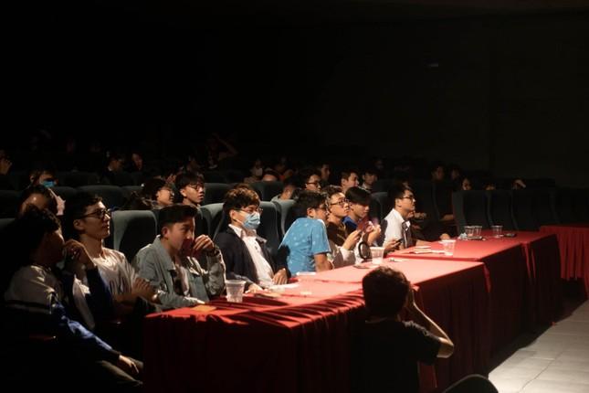 Teen THPT Chuyên Sư Phạm (Hà Nội) háo hức chờ đón đêm trao giải cuộc thi làm phim ngắn ảnh 2