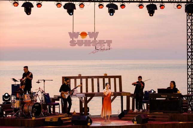 """Wow Sunset Show: Bữa tiệc âm nhạc để """"chill"""" dành cho những người yêu vẻ đẹp lúc hoàng hôn ảnh 1"""