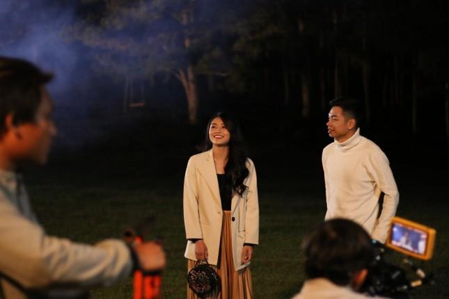 """Bỏ """"tán gái"""" trong thang máy, Mai Anh Tài lột xác với trong trailer MV âm nhạc riêng ảnh 5"""