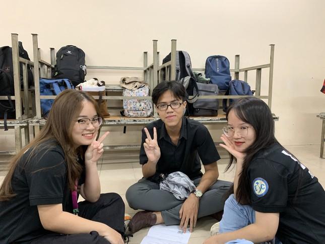 Sinh viên Đại học Sư phạm Kĩ thuật TP.HCM cùng nhau nâng cao kỹ năng tiếng Anh giao tiếp ảnh 2
