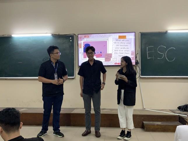 Sinh viên Đại học Sư phạm Kĩ thuật TP.HCM cùng nhau nâng cao kỹ năng tiếng Anh giao tiếp ảnh 3
