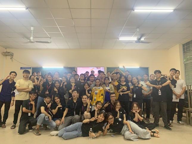 Sinh viên Đại học Sư phạm Kĩ thuật TP.HCM cùng nhau nâng cao kỹ năng tiếng Anh giao tiếp ảnh 5
