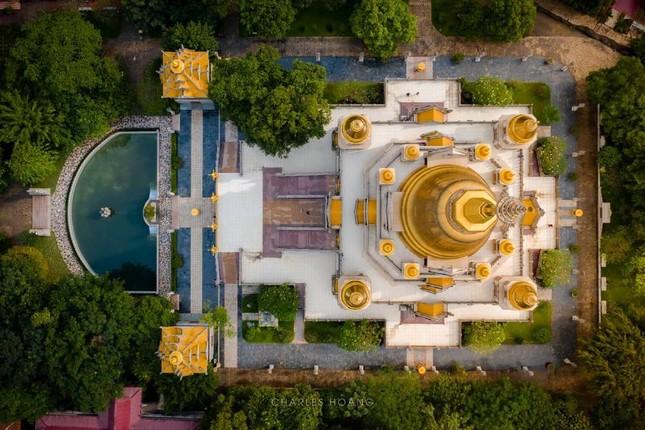 """Địa điểm """"check-in"""" cực đẹp của giới trẻ Sài Gòn: Ngôi chùa có bảo tháp cao nhất Việt Nam ảnh 2"""