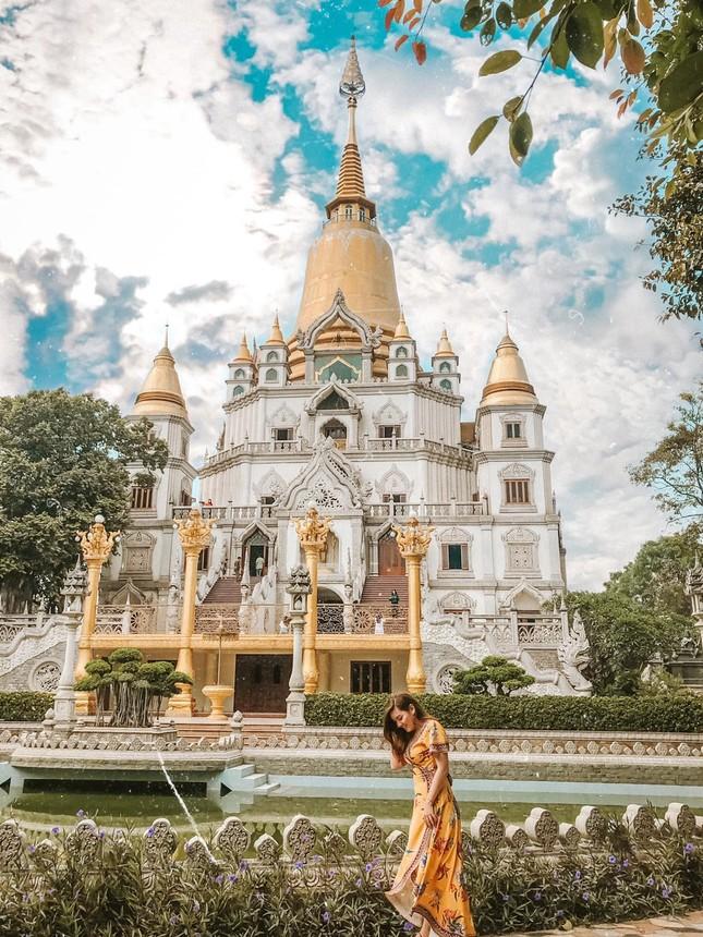 """Địa điểm """"check-in"""" cực đẹp của giới trẻ Sài Gòn: Ngôi chùa có bảo tháp cao nhất Việt Nam ảnh 4"""