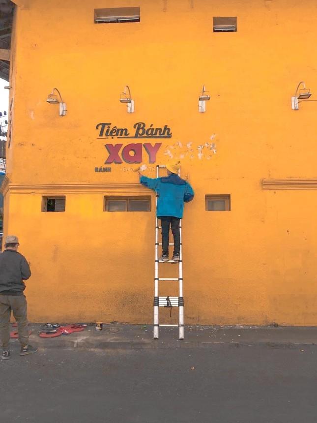 """Còn 3 ngày nữa bức tường vàng """"Tiệm bánh Cối Xay Gió"""" bị xoá bỏ, check-in nhanh nào! ảnh 2"""