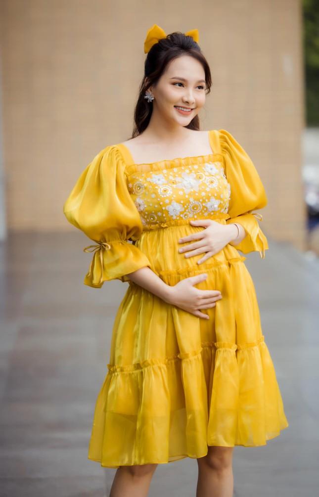 Bị nhắc nhở vì đang mang bầu mà đi giày cao gót, diễn viên Bảo Thanh liền giải thích lý do ảnh 3