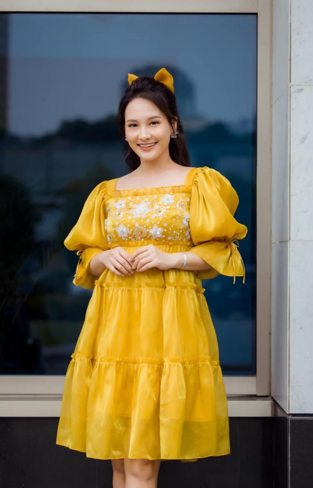 Bị nhắc nhở vì đang mang bầu mà đi giày cao gót, diễn viên Bảo Thanh liền giải thích lý do ảnh 1