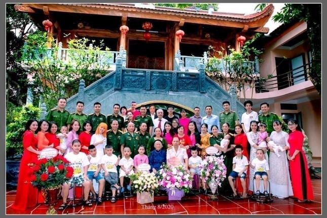 Ba mẹ YouTuber Hậu Hoàng công khai tuyển con rể: Cả nhà đang rất mong Hậu có người yêu! ảnh 3