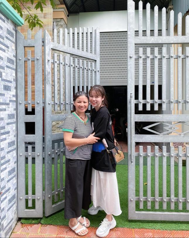 Sau 3 tháng chia tay, Huỳnh Anh tiết lộ tình trạng mối quan hệ hiện tại với mẹ Quang Hải ảnh 4