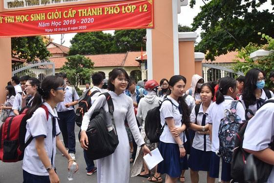 TP.HCM: Mức thưởng dành cho học sinh Giỏi dự kiến sẽ tăng, có thể lên đến 200 triệu đồng! ảnh 1