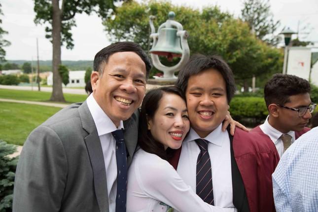 """Bố của Đỗ Nhật Nam viết tâm thư gửi con trai: """"Con sẽ thành nhân trước khi thành danh"""" ảnh 2"""