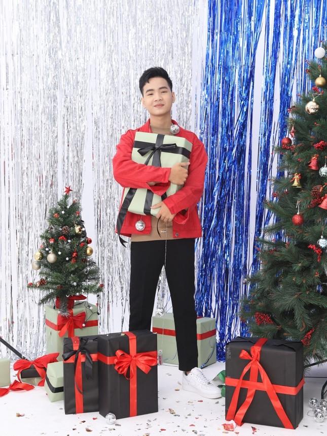 Cham Cân 5 xuất hiện cực bảnh trong bộ ảnh đón Giáng sinh, tiết lộ điều ít người biết ảnh 1