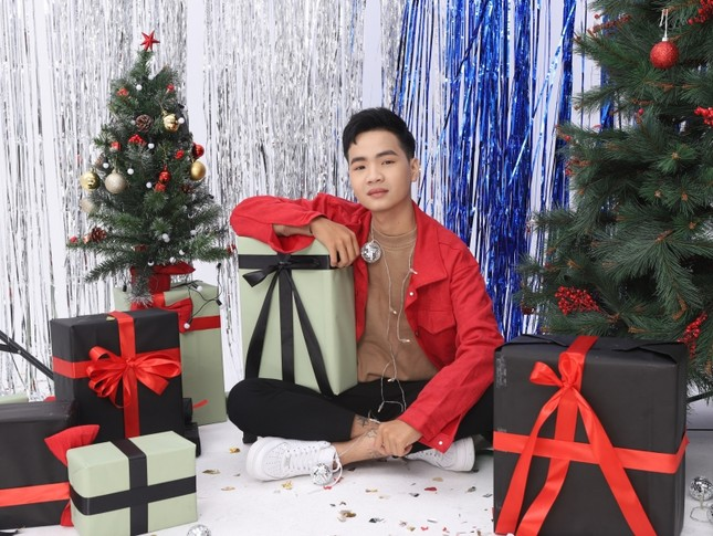 Cham Cân 5 xuất hiện cực bảnh trong bộ ảnh đón Giáng sinh, tiết lộ điều ít người biết ảnh 2
