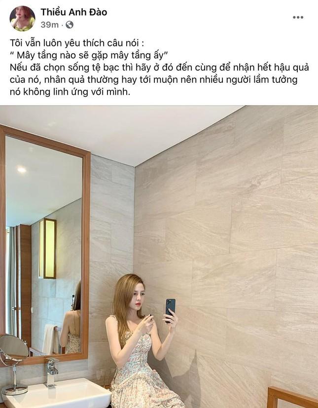 """Trước """"drama"""" liên quan đến Sơn Tùng M-TP, chị gái Thiều Bảo Trâm đăng status đầy ẩn ý ảnh 1"""