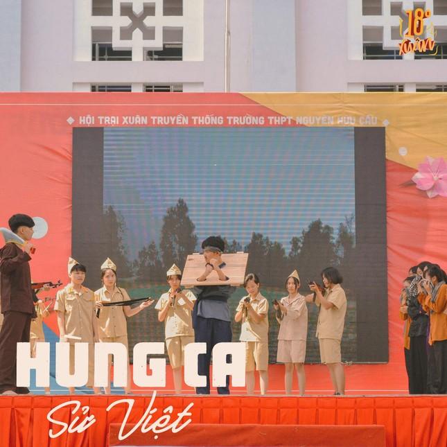 Trường teen tưng bừng lễ hội đón Tết: Hội chợ đón Xuân, prom cuối cấp vui nổ trời! ảnh 5