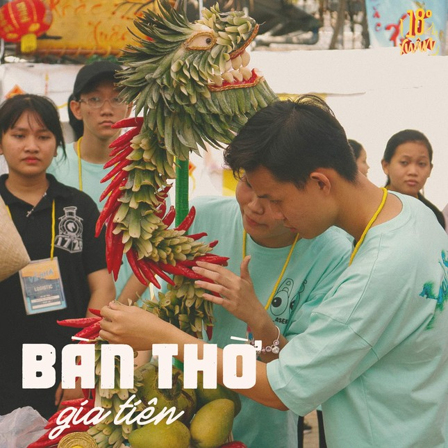 Trường teen tưng bừng lễ hội đón Tết: Hội chợ đón Xuân, prom cuối cấp vui nổ trời! ảnh 7