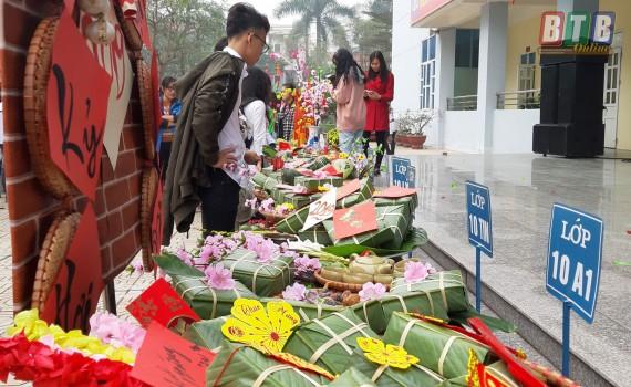 Trường teen tưng bừng lễ hội đón Tết: Hội chợ đón Xuân, prom cuối cấp vui nổ trời! ảnh 9