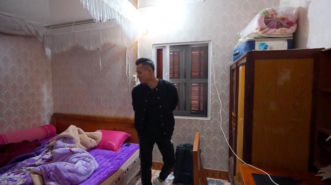 Cận cảnh căn nhà 3 tầng của Độ Mixi tại Cao Bằng, hé lộ món quà giá trị lần đầu tặng mẹ ảnh 10